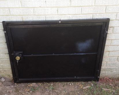 closed crawlspace door