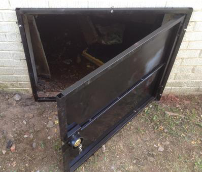 open crawlspace door